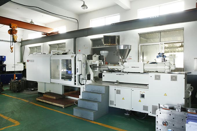 two color high speed injection machine